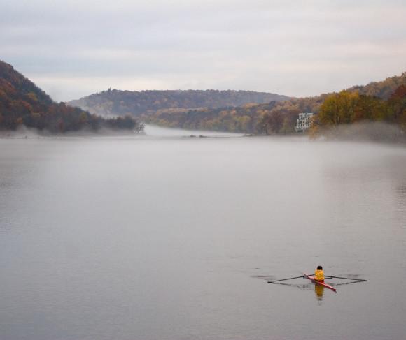 Kayaker_on_the_Delaware