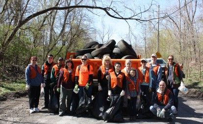 trail-clean-up-easton