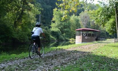 canal-boat-bike-trail-easton