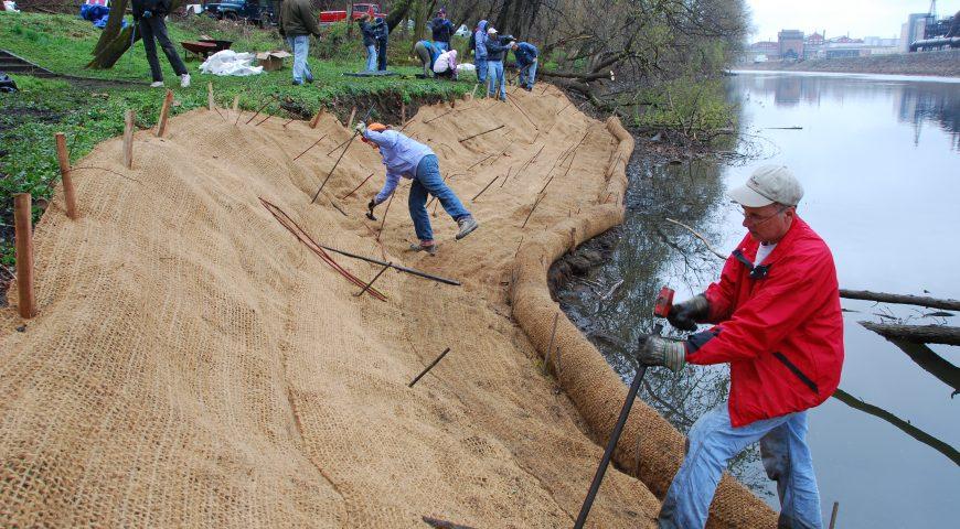 Trail tenders on Lehigh River