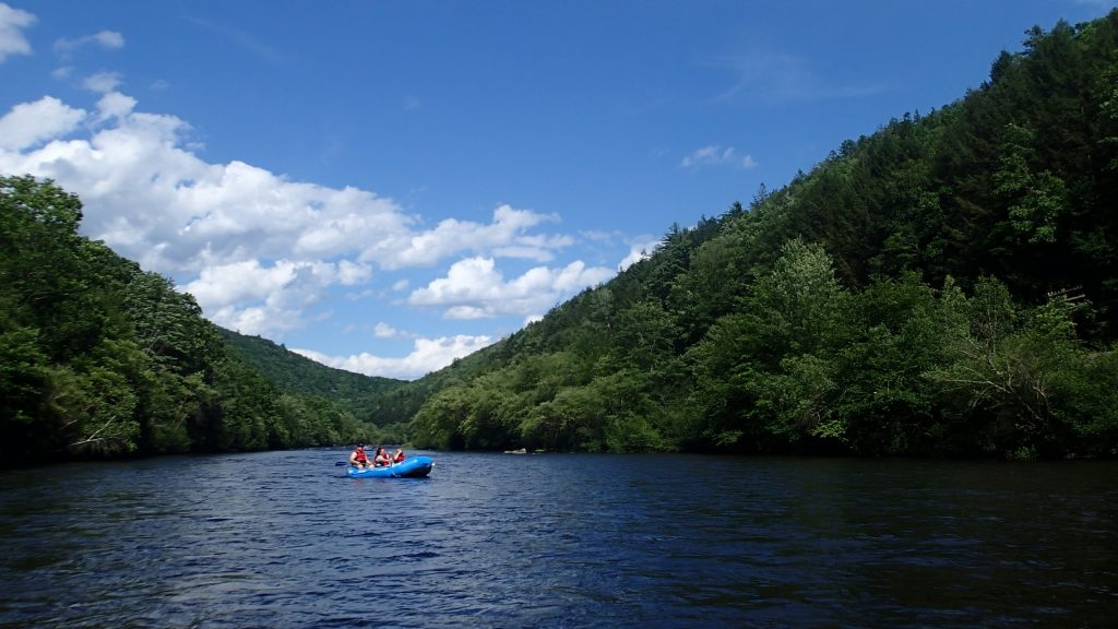 Whitewater rafting down the Lehigh Gorge with Pocono Whitewater in Jim Thorpe, PA