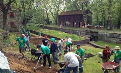 Volunteers working at Freemansburg