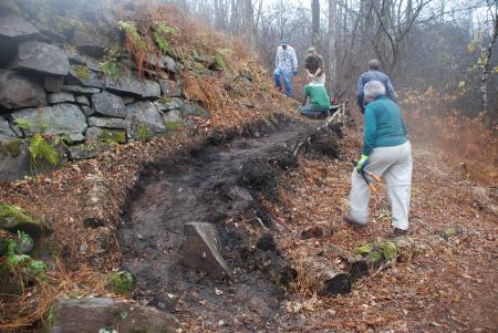 Trail Tenders create a path at Lock 28