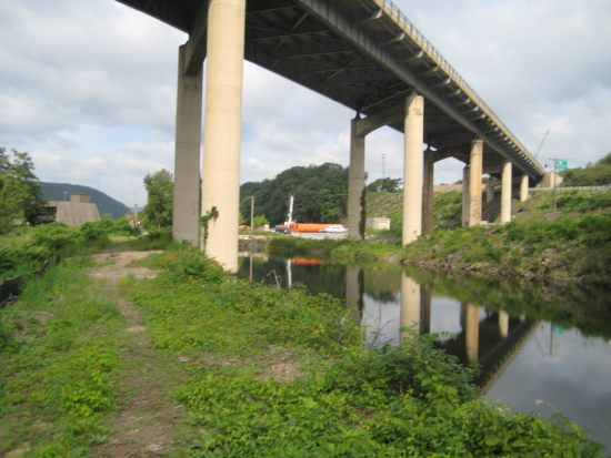 Piers that currently disrupt the canal will be removed.